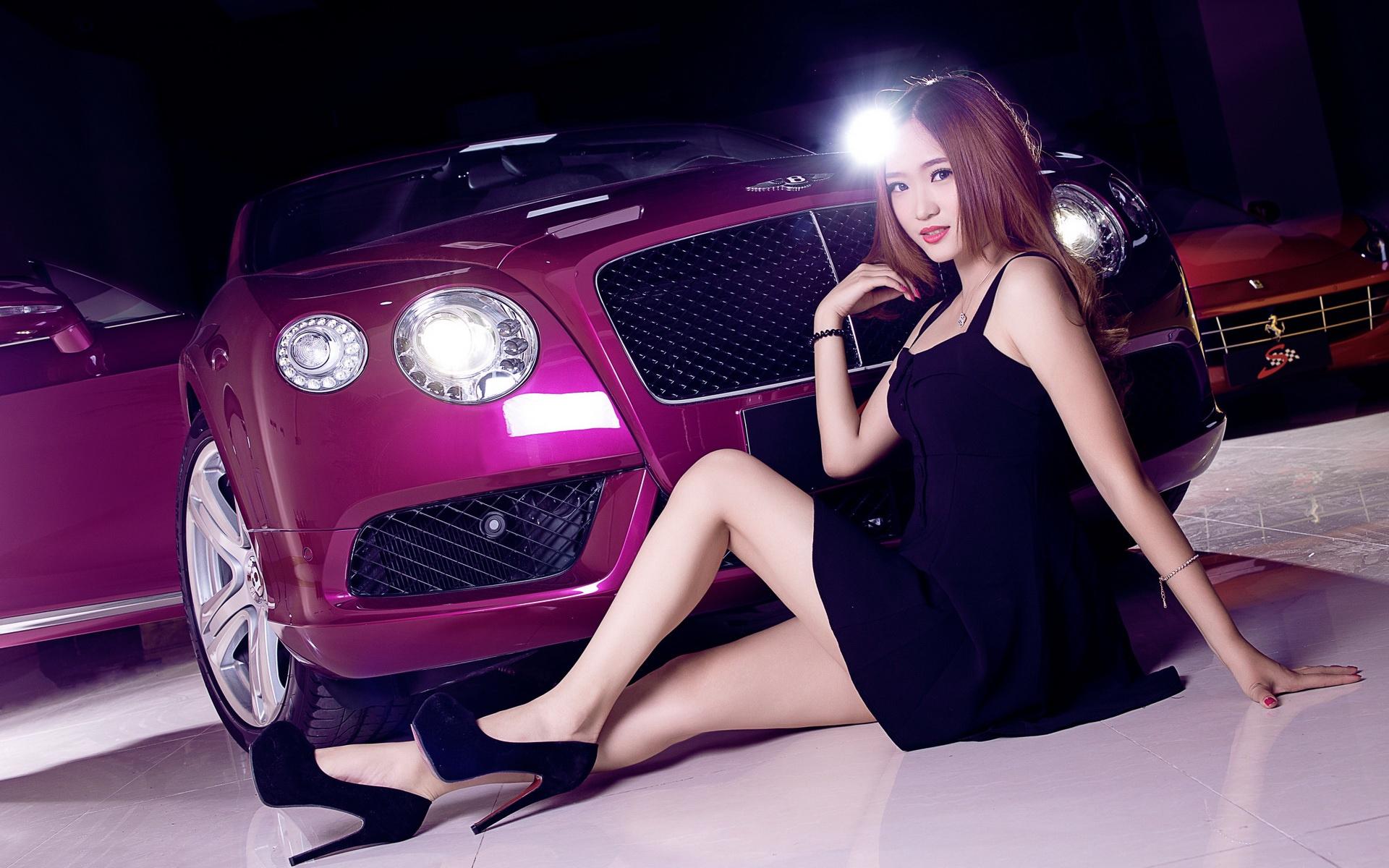 Шикарные девушки и красивые машины