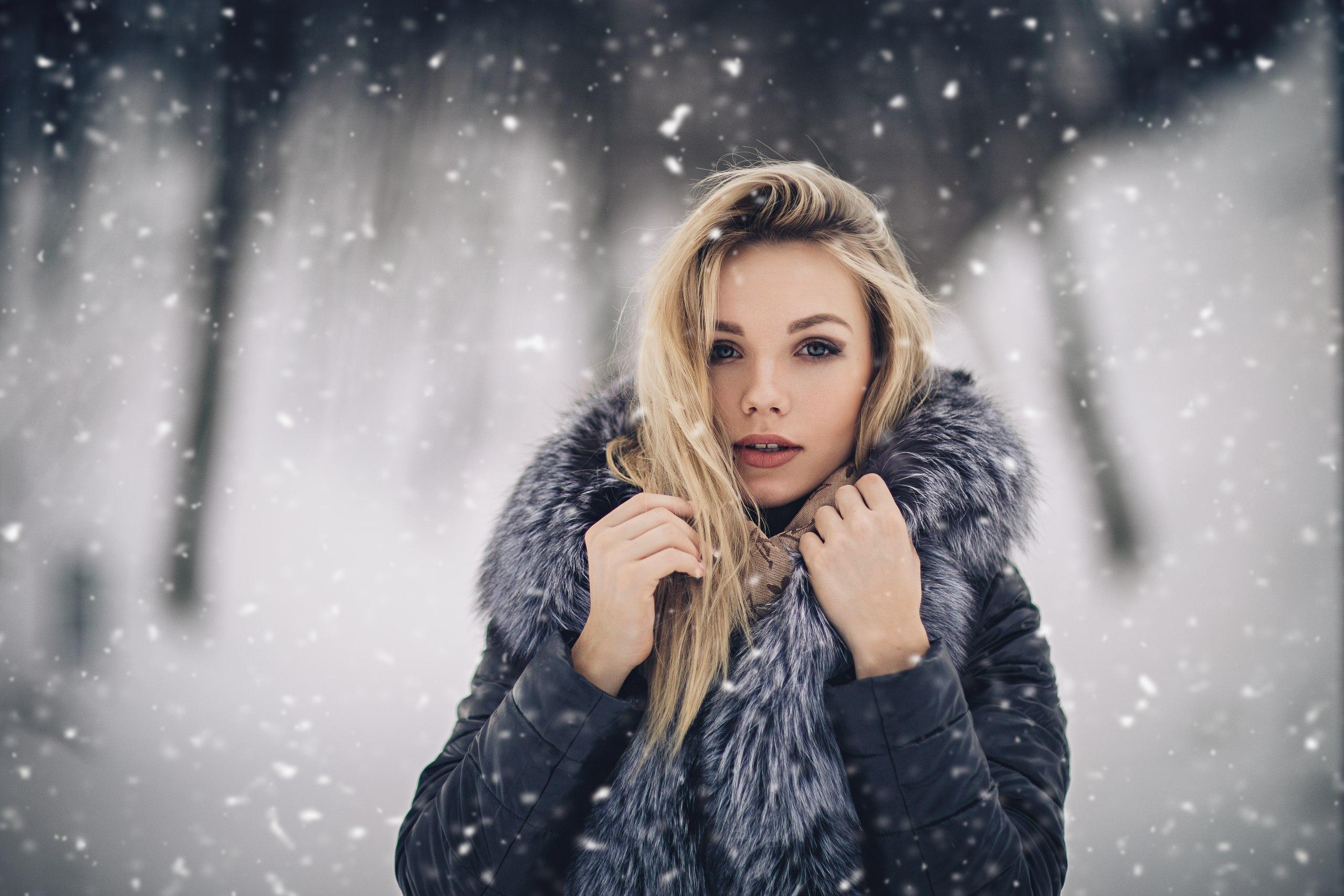 Обои Блондинки Зимой