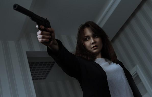 Picture girl, gun, Oleg Gritsun, Yana Frolova