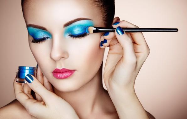 Picture girl, face, hands, makeup, shadows, brush, Oleg Gekman