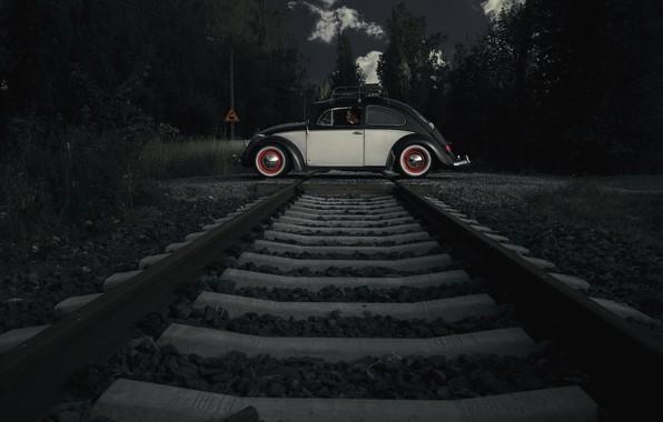 Picture machine, people, railroad