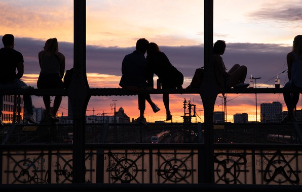 Picture bridge, the city, people, girls, mood, the evening, guys, silhouettes, youth