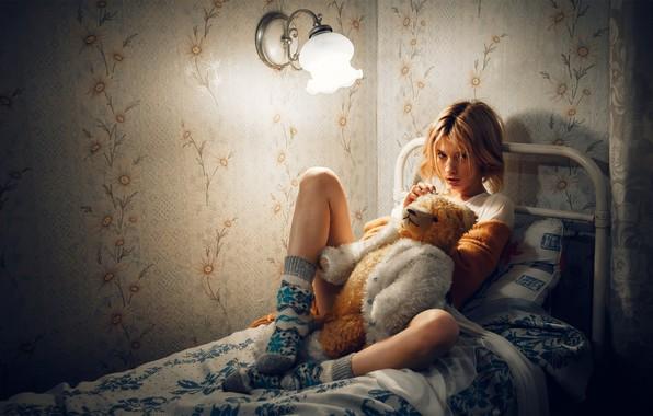 Picture bear, girl, legs, on the bed, Marta Gromova, Andrey Vasilyev