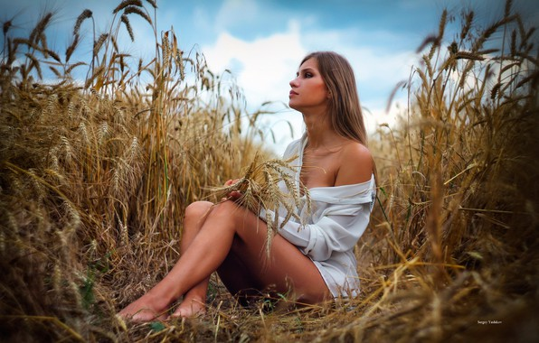 Picture field, summer, girl, pose, feet, blouse, ears, shoulder, Sergey Boxes