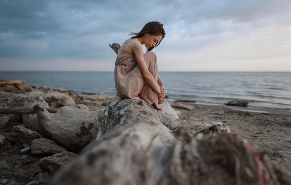Picture girl, dress, on the shore, Aleks Five