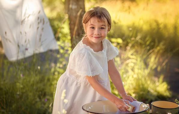Picture summer, nature, smile, girl, child, bucket, wash, Taz, Anna Sapegina