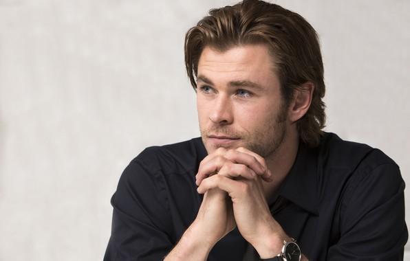 Picture look, hands, male, Chris Hemsworth