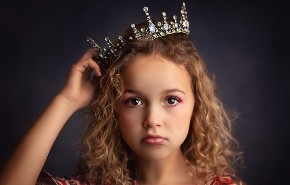 Picture portrait, crown, girl