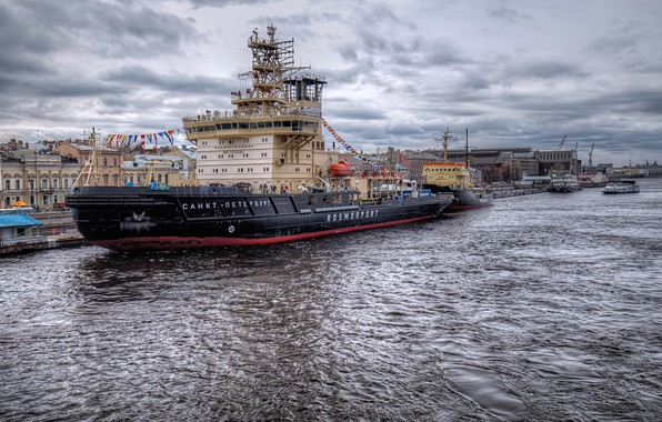 Picture the sky, clouds, clouds, river, overcast, home, ships, Saint Petersburg, Russia, promenade, piers
