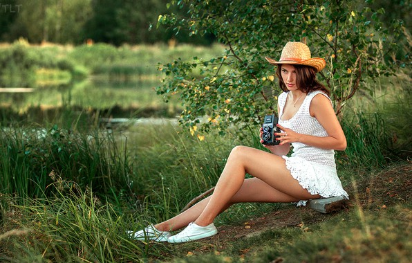 Picture grass, trees, pose, model, sneakers, portrait, hat, camera, makeup, figure, dress, hairstyle, brown hair, legs, …