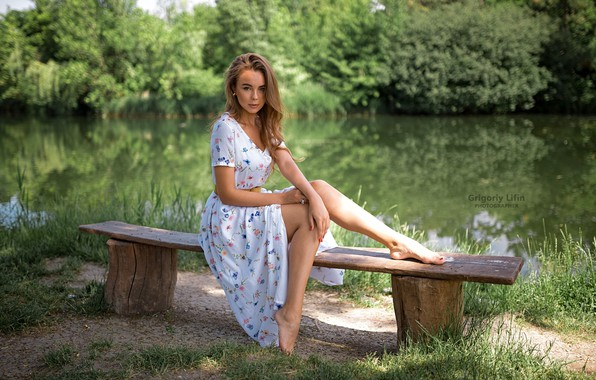 Picture greens, grass, look, the sun, trees, nature, pose, pond, Park, model, portrait, barefoot, makeup, dress, ...