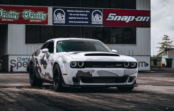 Picture white, dodge, challenger, camouflage