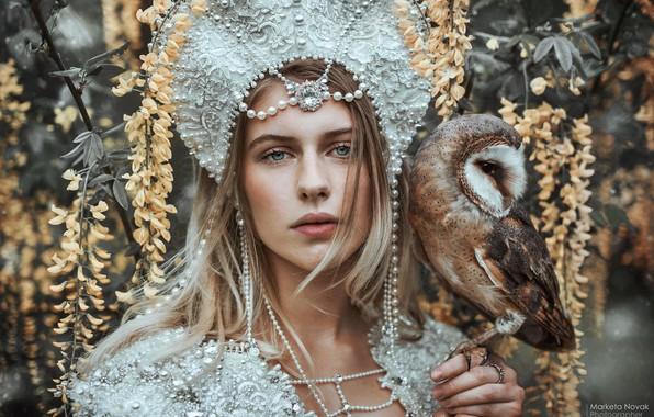 Picture look, girl, face, style, mood, owl, bird, beads, the barn owl, Princess, Marketa Novak, Johanka …