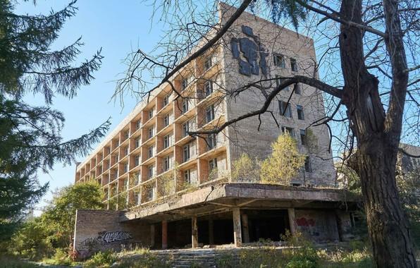Picture the city, tree, the building, Pripyat, Ukraine