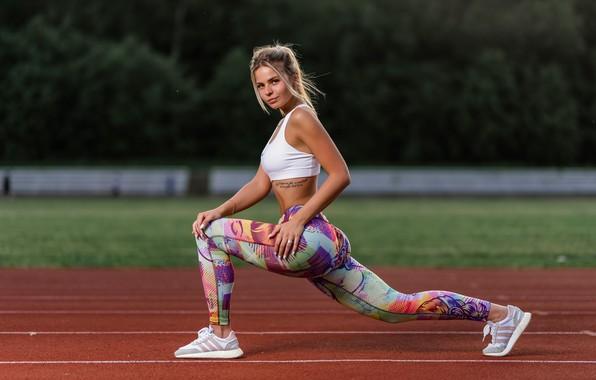 Picture look, girl, pose, feet, sport, topic, treadmill, leggings, Ilya Pistols, Nastya Mikheeva