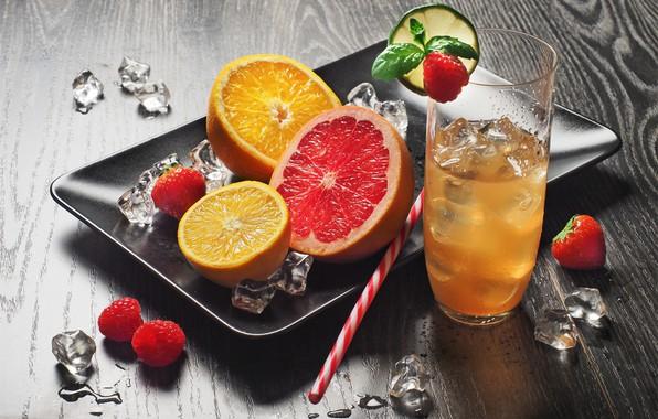 Picture glass, raspberry, orange, grapefruit, lemonade
