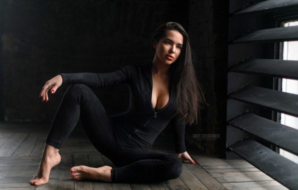 Picture sexy, pose, model, portrait, makeup, figure, brunette, window, hairstyle, costume, sitting, on the floor, in …