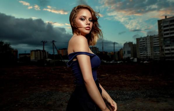 Picture photo, photographer, model, brunette, portrait, gir, dark eyes, Patrician