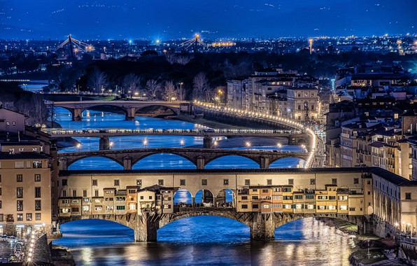 Picture city lights, Florence, long exposure