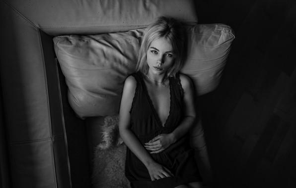 Picture girl, pillow, legs, sponge, monochrome, Aleks Five