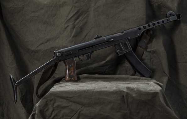 Picture PPS-43, The gun, PPS-43 Hero of the Soviet Union Leonid Ardasheva