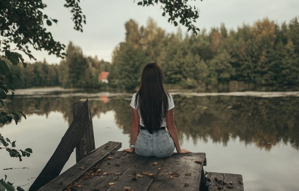 Picture autumn, girl, the river, Photographer Victoria Rusko