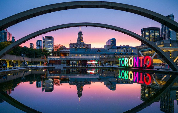 Picture Canada, Toronto, Nathan Phillips Square