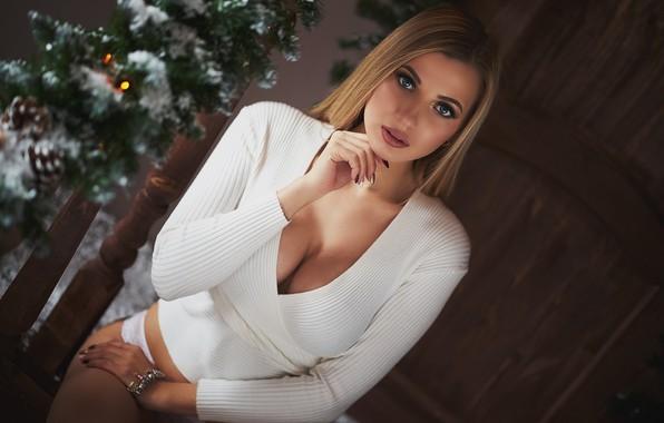 Picture chest, neckline, Alexander Kiselev, Tanya Beautymaker