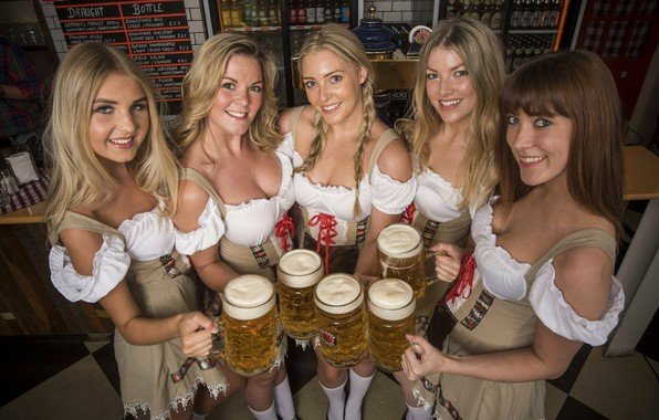 Picture girls, beer, bar