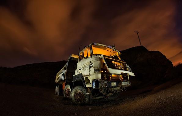 Picture machine, night, scrap