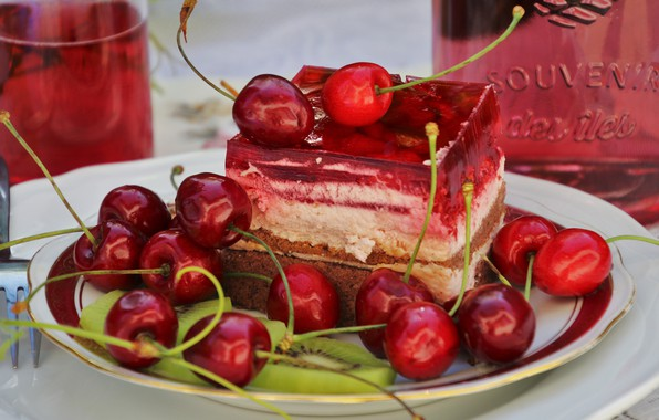 Picture cherry, glass, berries, bottle, food, kiwi, juice, plate, cake, red, drink, cake, fruit, plug, still …
