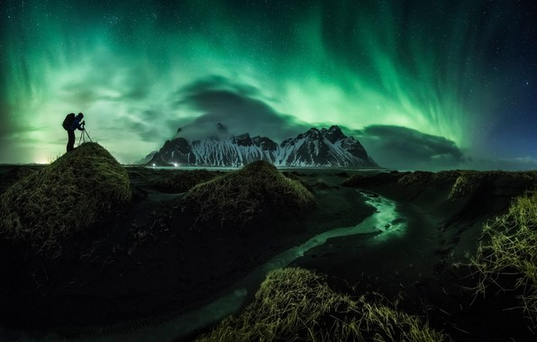 Picture stars, mountains, night, hills, shore, people, Northern lights, Iceland