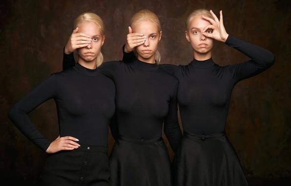 Picture sisters, three girls, triplets, Alexander Vinogradov, Natasha Mironenko, Irina Mironenko, Tanya Mironenko