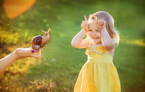 Picture summer, joy, hand, snail, dress, girl, baby, child, horns, Julia Grafova