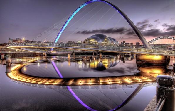 Picture bridge, lake, lighting