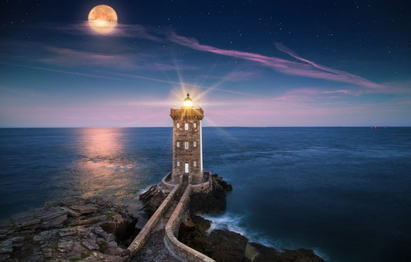 Picture sea, rays, light, landscape, night, stones, rocks, the moon, France, lighthouse, stars, Brittany