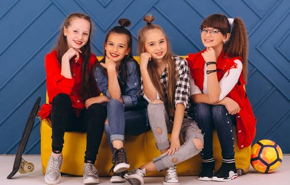 Picture girls, Quartet, four, veselushka