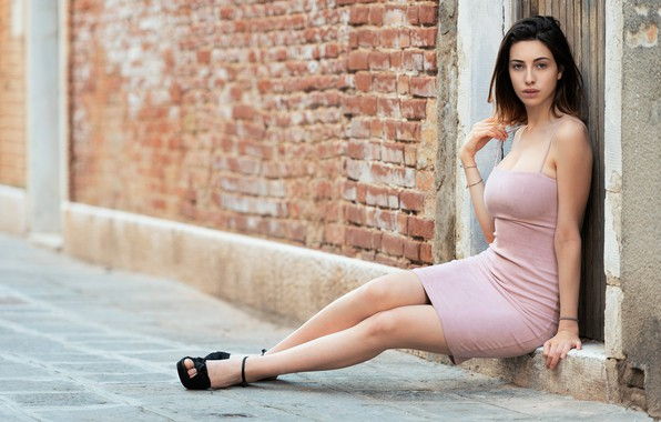 Picture look, pose, house, wall, street, model, portrait, brick, makeup, figure, dress, hairstyle, shoes, brown hair, ...