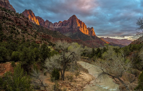 Picture mountains, canyon, river