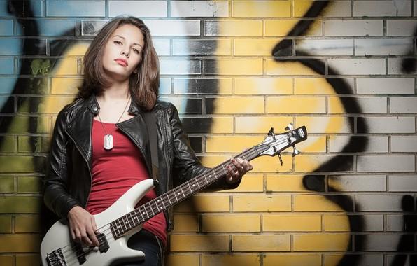 Picture girl, guitar, Elena