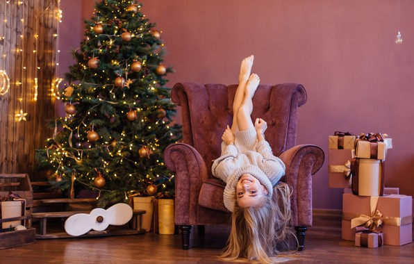Picture lights, girl, Christmas, Model, long hair, legs, photo, blue eyes, barefoot, lips, face, gift, blonde, …