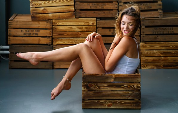 Photo wallpaper smile, Girl, boxes, sitting, EIKONAS