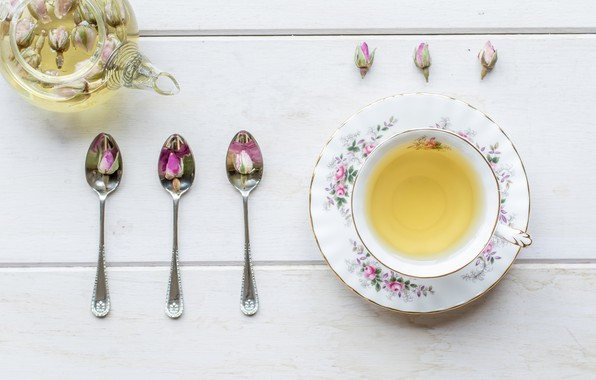 Picture tea, kettle, buds, spoon