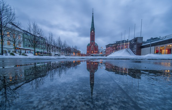 Picture Arendal, Trinity church, Refecrion