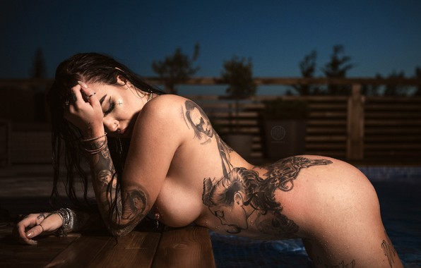 Adorable Brunette Babe With Tattoo Spreading Hqporner 1