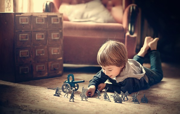 Picture room, the game, toys, chair, boy, child, soldiers, Marianne Smolin