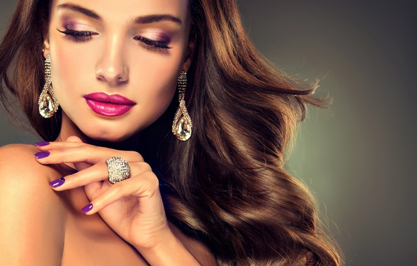Picture girl, face, hand, makeup, ring, hairstyle, girl, decoration, earrings, manicure, jewelry