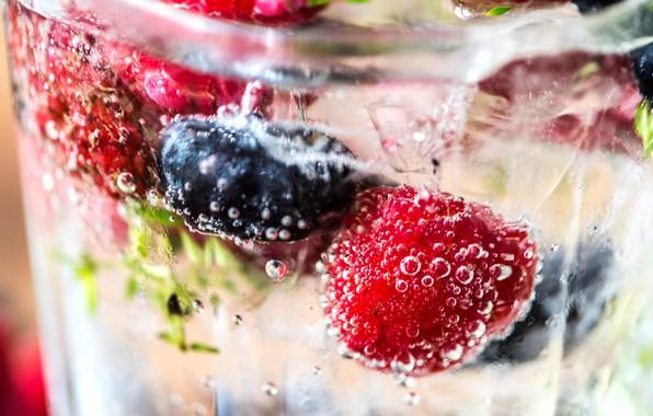 Picture water, berries, drink