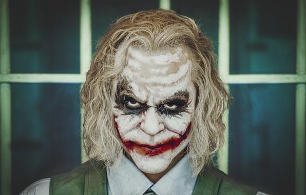 Picture portrait, mask, Joker