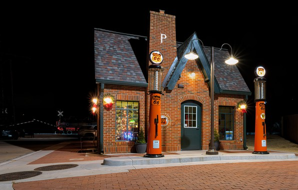 Picture station, the evening, USA, Oklahoma, Red Fork, Phillips 66 Station